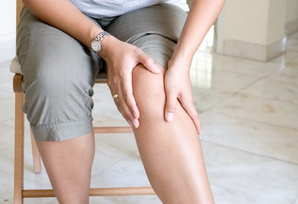pain in front of knee
