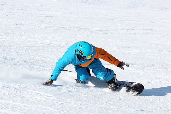 Tips to prevent snowboarding injuries