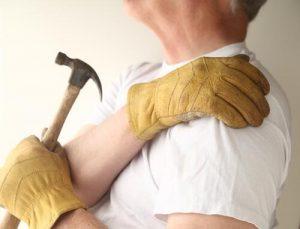 carpenter_with_sore_shoulder